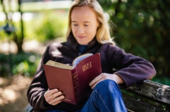 5 Steps for having a conversation with God using the Bible