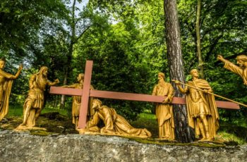 "The fascinating history of the ""We adore you, O Christ"" prayer from the Stations of the Cross"